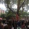 Logo MÓVIL #La990 movilización de maestros contra la precarización laboral en CABA, en #CaballeroDeDía