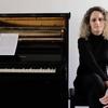 Logo María Laura Antonelli entrevistada por Rómulo Berrutti en la  2x4 por su obra sinfónica Infernadero