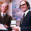 Logo 13 de octubre de 1980 - A 41 años del Premio Nobel de la Paz a Adolfo Perez Esquivel