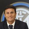 Logo El emotivo cruce entre Zanetti y Bochini
