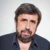 Logo Ricardo Bochini: Diez estrofas para un diez, poema de Héctor Negro. Por Alejandro Apo