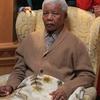 Logo .@NelsonAlCastro lo corta a @EstebanBullrich por muerte de #Mandela