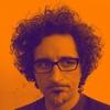 Logo Entrevista a Max Aguirre, dibujante y músico y Mateo Castiello, músico.