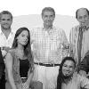 Logo Milagro y Amado con Victor Hugo y Gustavo Campana