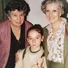 Logo Entrevista a Elena Gallinari Abinet, primera nieta nacida en cautiverio y restituida por Abuelas
