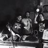 Logo Jueves 7/12. Wax & Smoke en Solo en Vinilo @ FM Blue 100.7