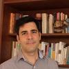 Logo Entrevista con Guillermo Gomez médico psiquiatra y psicoterapeuta.