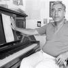 Logo Mora Juárez entrevistada por Carlos Polimeni por la obra de Manolo Juárez