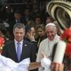 Logo La Colombia que recibió al Papa: Un proceso de paz en marcha, con una deuda social sin saldar