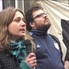 Logo Natalia Vinelli desde la protesta frente al ENACOM