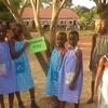 Logo Anciana de 99 años hace vestidos para niñas de África