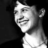 Logo Sylvia Plath hace sonar la Campana de Cristal en la voz de Angie Stone. Elige tu higo el domingo.