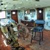 Logo ¿A quién pertenece el majestuoso crucero abandonado a orillas del Río Paraná?
