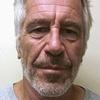 Logo Jeffrey Epstein apareció ahorcado en su celda en Nueva York