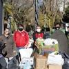 Logo La 6 de abril dona alimentos al barrio Mujica
