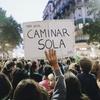 Logo Yami Safdie en Del Plata