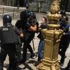 Logo Mayra Mendoza con Pablo Duggan sobre la represión de Gendarmería