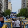 Logo Historica movilizacion en el dia de la lealtad, el taxi estuvo presente. Todas las voces.