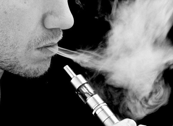 Beto Casella hablando del Cigarrillo Electrónico (vaporizador personal)